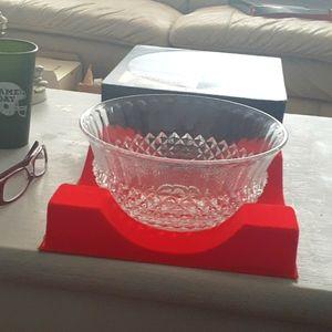 Cristal d'arques crystal fruit bowl.
